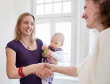 産休の挨拶をするタイミングは?社内・社外で挨拶の仕方は変えるべき?