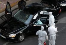 元ギリシャ首相が重傷=車両で手紙爆発か