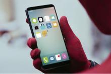 iPhone 8のリーク映像、スパイダーマン新作映画に登場か?―ななめ上のウワサ
