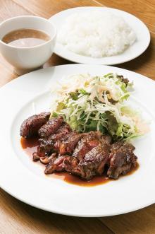 【神戸観光】大行列ステーキランチに神戸牛焼肉も!絶対食べたい肉の名店3選