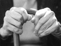 高齢者の健康や幸福感に大きく影響するのは... 成人期に培った「ライフスキル」だった