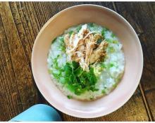鈴木亜美 サラダチキンを使ったお粥のレシピ公開