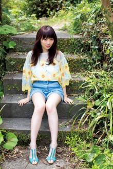 欅坂46・長沢菜々香、美脚まぶしいショートパンツ姿