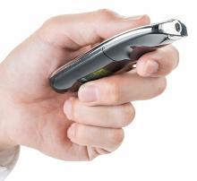 サンワサプライ、照射角12°で手首をひねらずに使用できる赤色レーザーポインターを発売