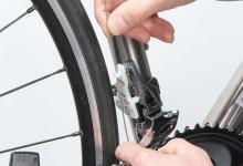 【画像多数】ワイヤーの固定方法がいつもと違う! ロードバイク・シマノ11速シフトワイヤーの交換方法
