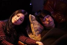 殺人者吉高由里子が眠る松山ケンイチに寄り添う「ユリゴコロ」場面写真を入手!