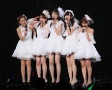 ℃-uteが涙の解散ライブ 12年の活動に幕「悔いなし!」 午後9時10分終演の粋な演出も