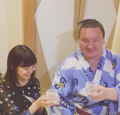 渡辺美優紀 「相撲好き」告白、白鵬と盃酌み交わす2shot公開