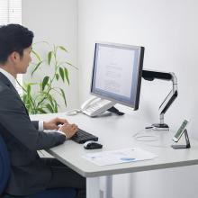 サンワサプライ、USBポートを搭載したディスプレイアームを発売