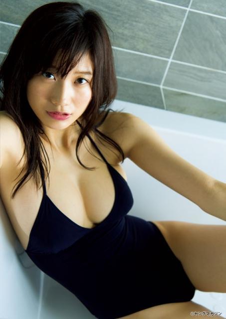 18歳の超逸材・小倉優香、Gカップボディ大反響で『ヤンマガ』表紙に即再起用