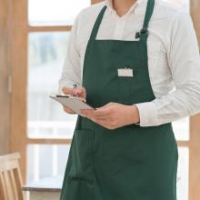 従業員の「名札」からストーカー被害も!着用を拒否できる?