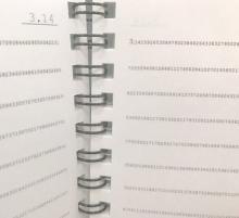 ノートの罫線が「3.14159265359…」と永遠に続く「円周率ノート」、ロフトで限定販売へ