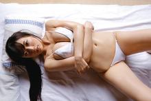 平塚奈菜、柔らかそうなマシュマロバストを揺らすオトナの魅力全開の新作