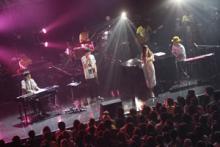 スキマスイッチ&澤野弘之の対バンライブにAimerがサプライズゲスト出演