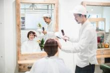 【医師監修】産後の抜け毛の原因と実践的な3つのケア