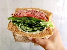 【肉サンド】極厚&やわらか!絶品「ローストビーフサンド」とコーヒーがおいしい新店
