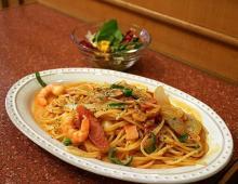 ハヤシライスにスパゲティ!喫茶店「アマンド」で昭和の味を