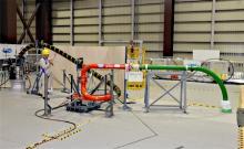福島第1、廃炉実験施設を公開