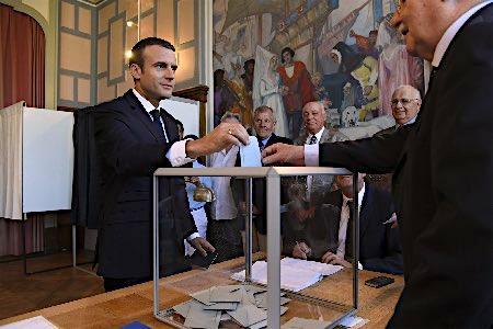 大統領新党、議席6割獲得=仏下院選