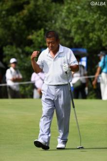 三好隆、左手負傷もエージシュート!日本プロゴルフグランド・ゴールドシニア選手権