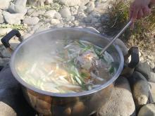 宮城の「芋煮」は、なぜ味噌ベース?