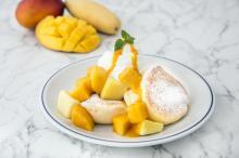 3種のマンゴーを使った贅沢&新食感パンケーキ