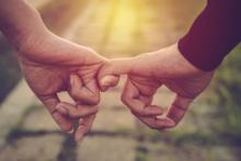 【あげまん妻】最高のパートナーに!夫に「ずっと一緒にいたい」と思われる妻の行動4つ #18