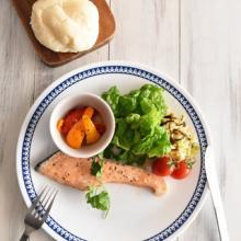 オイルサーモンで豪華に! ポリ袋で夕食セットを作る方法