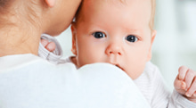正常な新生児にも発症する、自然気胸