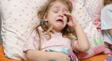子どもが胸の痛みを訴える肋軟骨炎の特徴と原因について