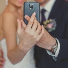 今どきSNSでの結婚報告、もっとも多かったのは「アレ」と一緒に投稿する!