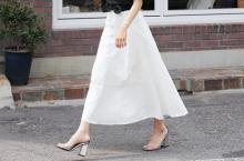 出来る女は丈で選ぶ♡オトナのフレアスカート履きこなし術とは?