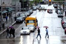 梅雨のイライラを解消 雨の日のドライブにオススメの最新カーグッズ