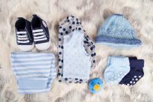<季節別>ベビー服の選び方&着せ方、おすすめ素材とコーデポイント