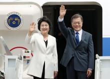 トランプ氏と初会談へ=文大統領、訪米の途に-韓国