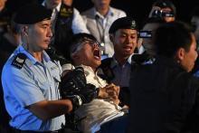 民主活動家を逮捕=中国返還象徴前で座り込み-香港