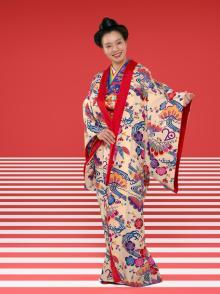 Cocco、デビュー20周年記念となる日本武道館ライブ会場にて初の衣装展を開催