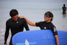 大橋海人が盲目サーフィンイベント開催「貴重な経験ができました」