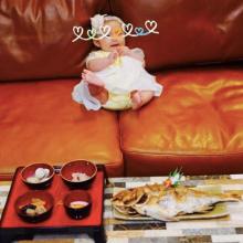 土屋アンナ 娘のお食い初めを手作り「食べ物に感謝する子になりますように」
