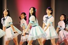 「AKB48」のヒット曲を完コピ!田野優花主演作「リンキング・ラブ」場面写真公開