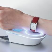 ソニー、電子マネー機能を搭載した腕時計用レザーバンドを発売