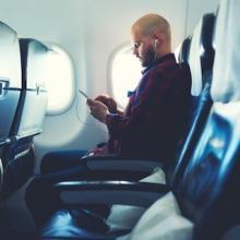 飛行機に乗る時、どの席を選ぶ? 人気の「●●席」、その理由は?