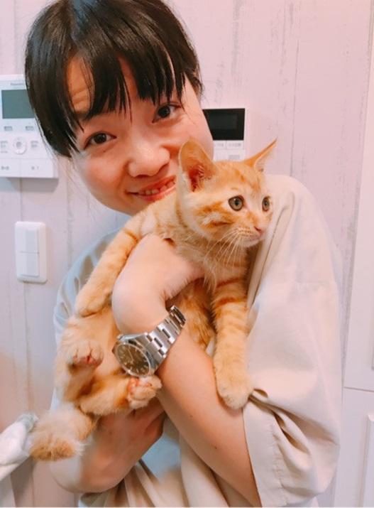中川翔子 豪華引っ越しパーティー、イモトアヤコが愛猫抱く姿公開