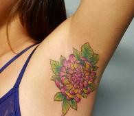 ワキ下タトゥーが欧米インスタで大ブーム!でも就職活動ではタトゥーはやっぱり…
