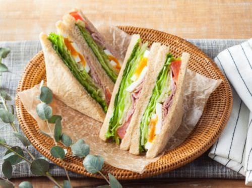 美味しくて低カロリー♪セブンの「シーザーサラダサンド 170kcal」--200kcal以下に抑えたサンドイッチシリーズ新作