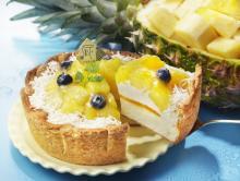 夏全開! パインがキラキラまぶしい南国チーズタルト