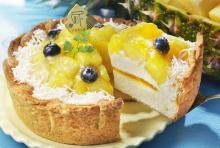 パブロに8月限定「ゴールデンパインとココナッツのチーズタルト」--甘くてジューシーな南国フルーツの味わい!