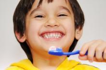 「歯の表面がオレンジ色に!?」生後6ヶ月~3歳の乳歯アレコレQ&A