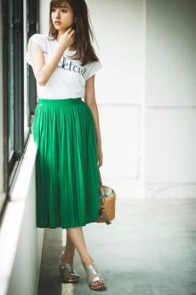 【今日のコーデ】2000円台なのに超優秀!なグリーンスカートが主役のハッピーカラーコーデ