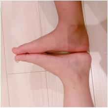 """<span class=""""hlword1"""">辻希美</span> 9歳の娘に足の大きさが抜かれたことを報告「やばぃな」"""